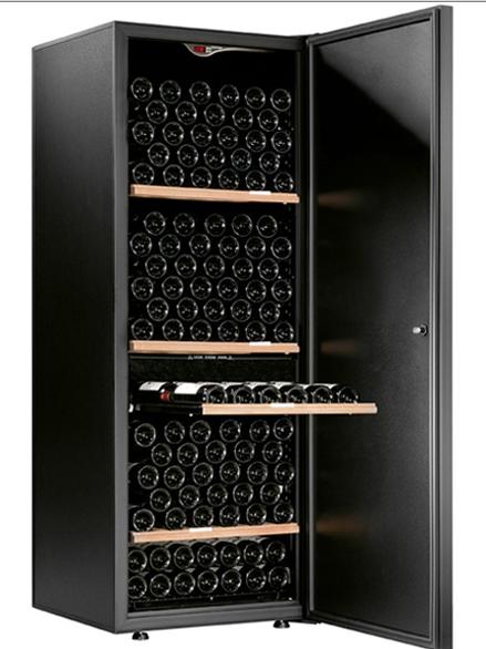 Comment choisir le bon vin sur le serveur?