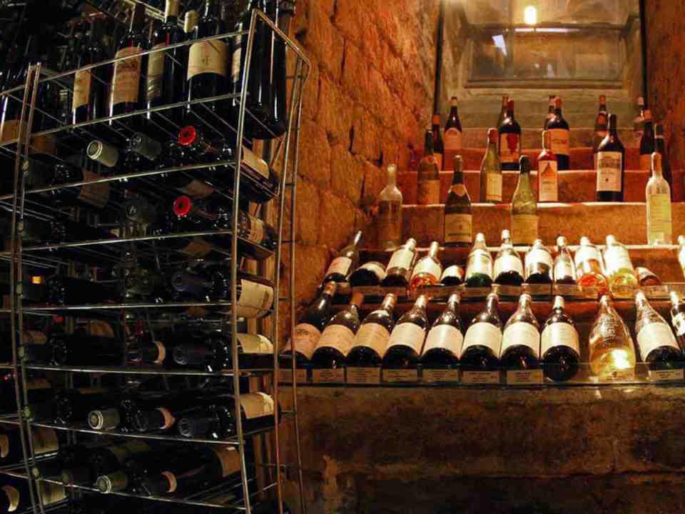 Comment conserver les bouteilles dans la cave à vin?