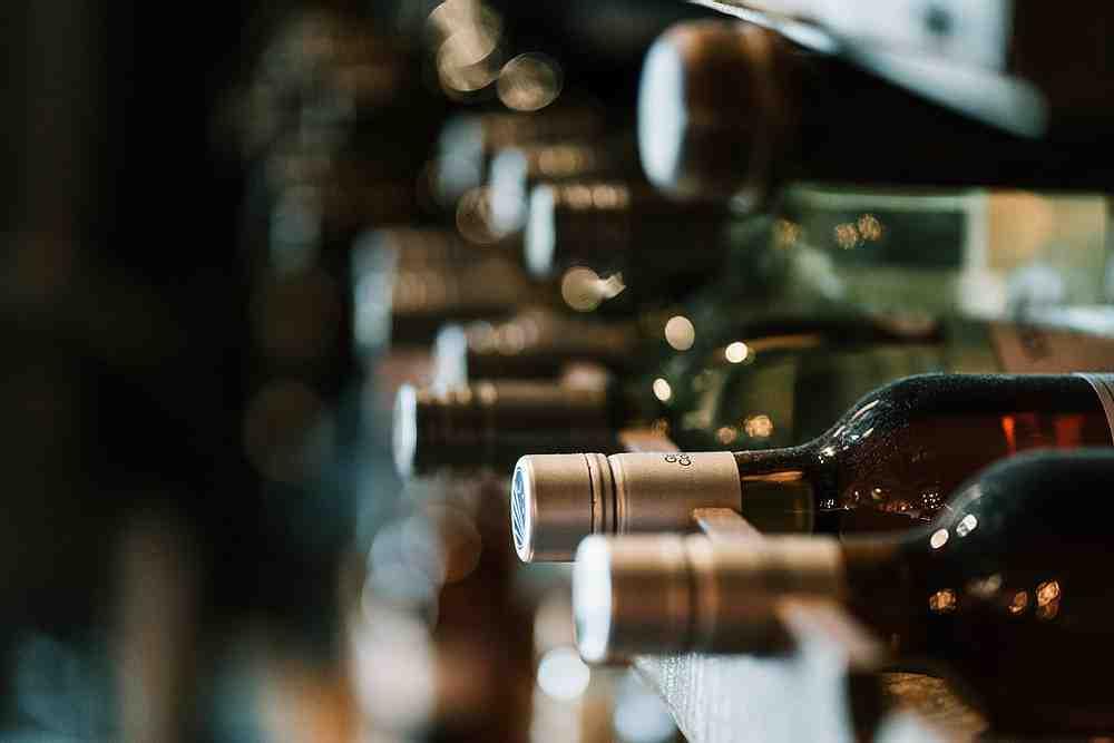 Comment conserver les bouteilles dans une cave à vin?