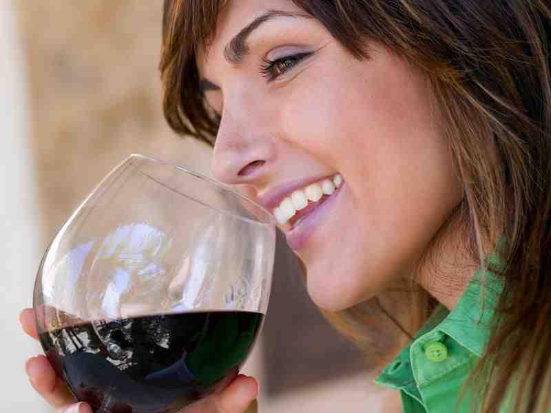L'alcool fait-il grossir votre ventre?