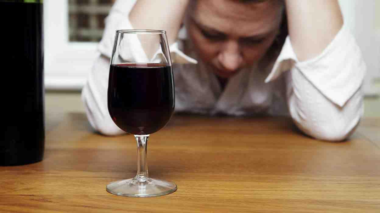 Quand pouvons-nous dire que nous sommes alcooliques?