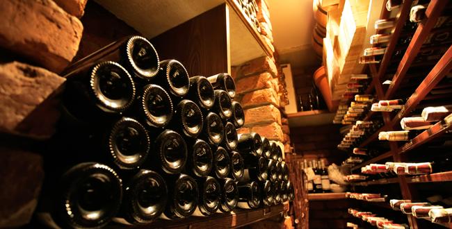 Comment conserver les bouteilles dans une cave?