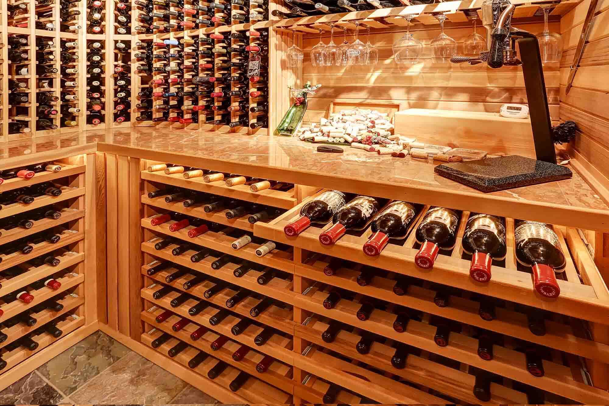 Quelle est la température de la cave à vin de service?