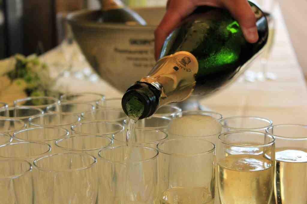 Qu'est-ce que le vin blanc sec à l'apéritif?