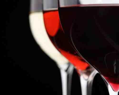 Pourquoi le vin rouge est-il meilleur que le vin blanc ?
